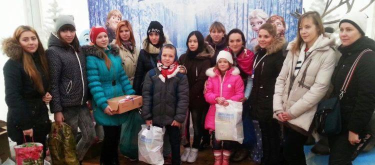 Воспитанники «Дороги к Дому» побывали на Рождественской ярмарке