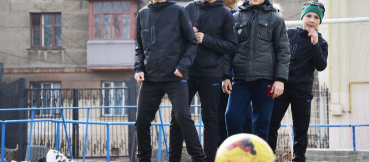 «Домовята» ищут средства для поездки на футбольный турнир в Киев