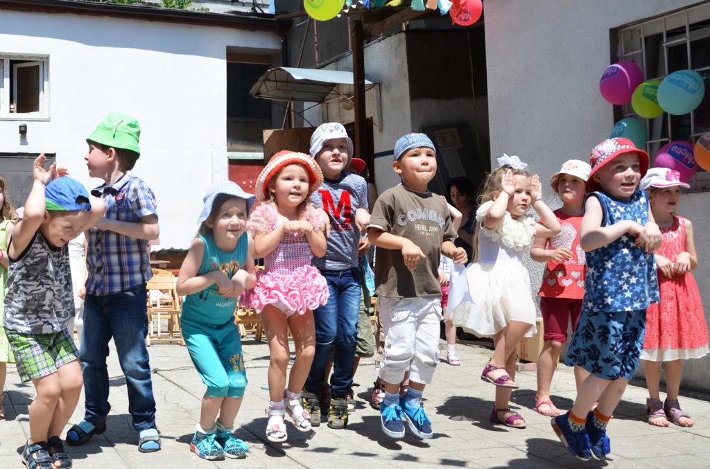 Детям из «Дороге к Дому» подарили праздник!