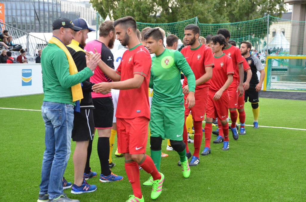 Украинская команда выходит в следующий раунд на Homeless World Cup