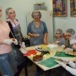 Дети из «Дороги к Дому» осваивают кондитерское дело
