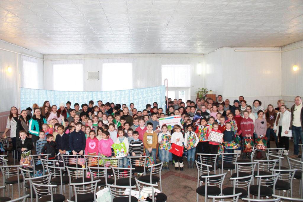 Детям из интерната села Петроверовка подарили праздник