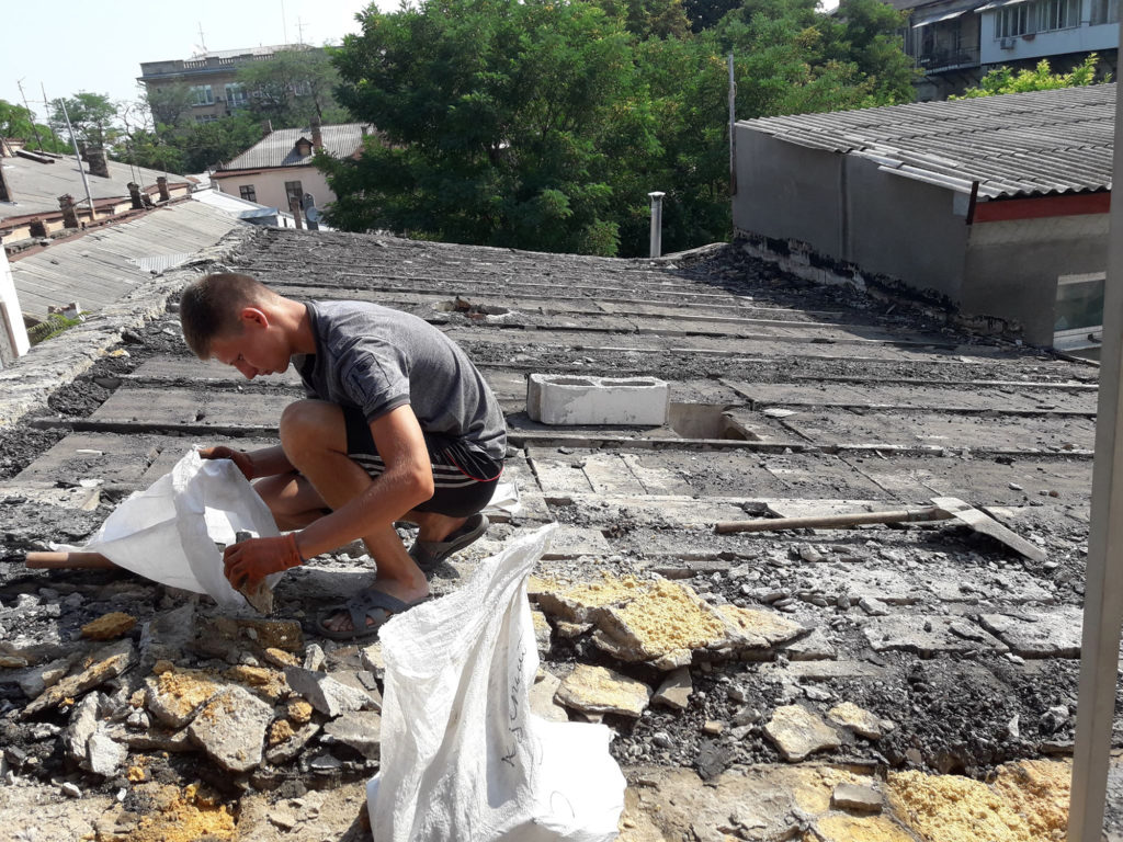Новая крыша для гончарной студии!